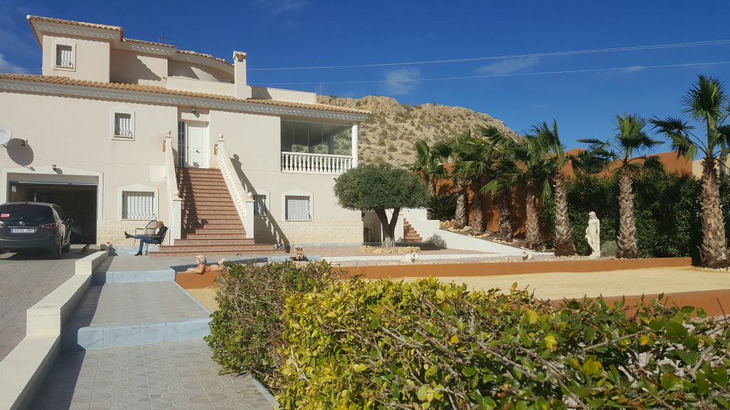 Villa for sale in Muchamiel – VO3406