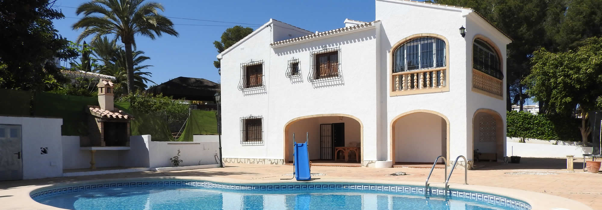 Large South-Facing Javea Villa Within Walking Distance Of Beaches And Amenities